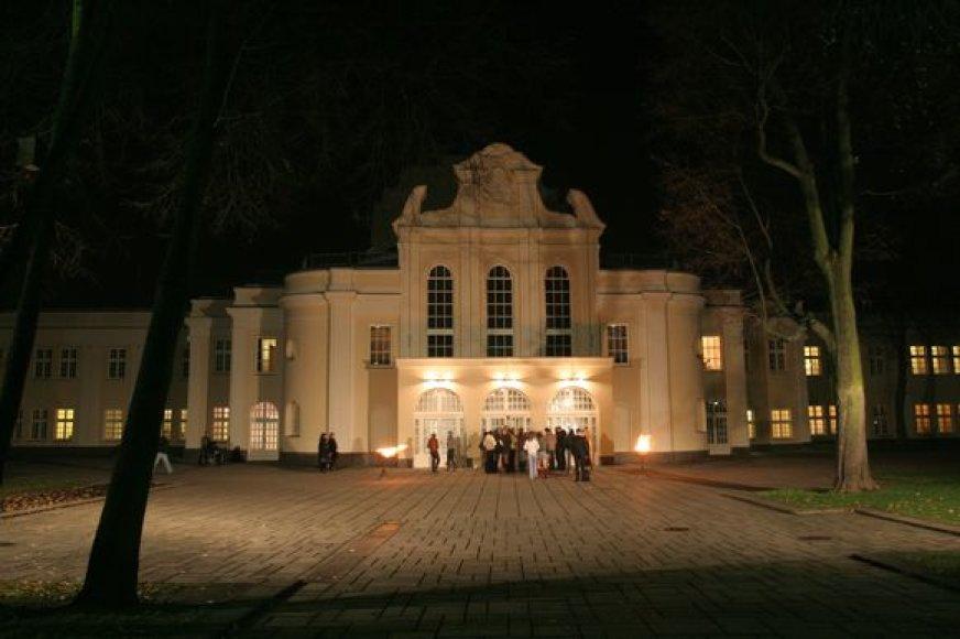 Meno paieška naktiniame Kaune