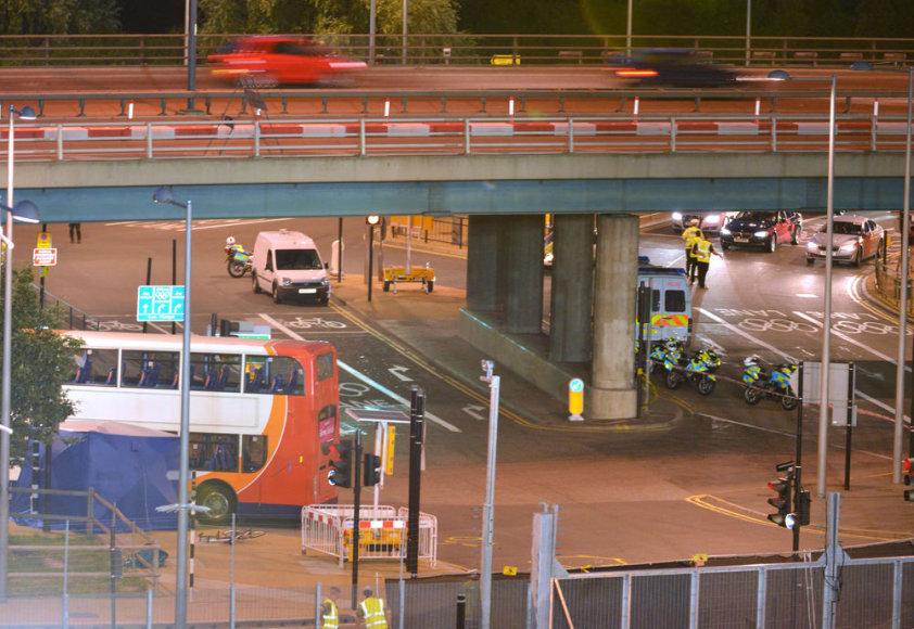 Olimpinis autobusas Londone mirtinai sužalojo dviratininką.