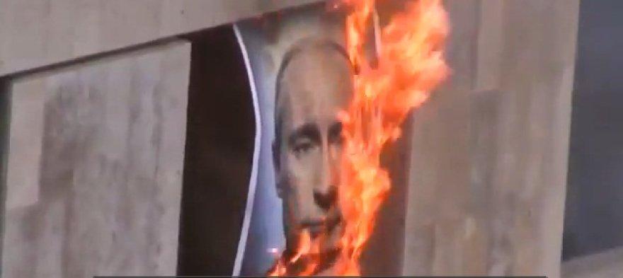 Deginamas V.Putino portretas.