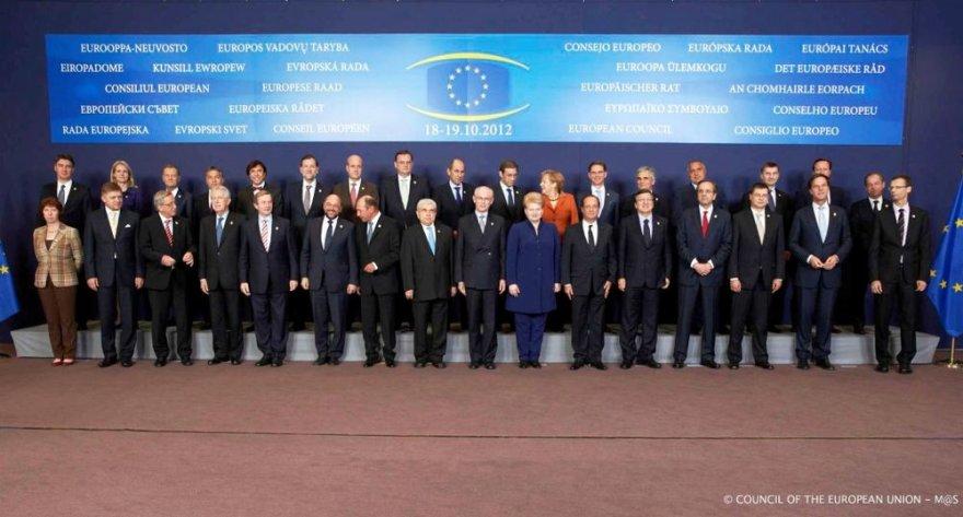 ES viršūnių taryboje dalyvauja ir prezidentė Dalia Grybauskaitė.