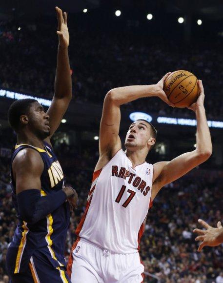 """Jonas Valančiūnas pradėjo karjerą NBA: """"Raptors"""" – """"Pacers""""."""