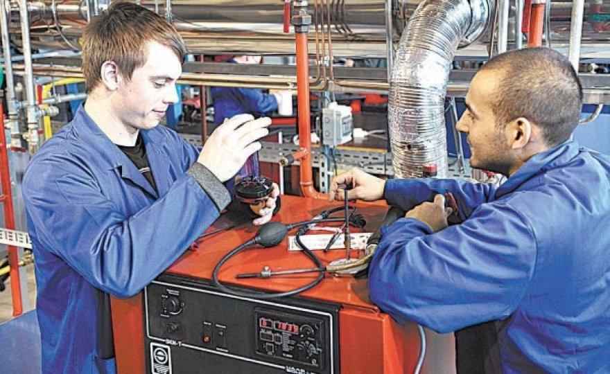 Vokietijos verslininkai pasirūpina, kad studentai turėtų gerai įrengtas laboratorijas.