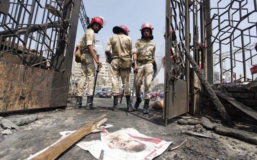 Kairas praėjus dienai po kruvino smurto bangos