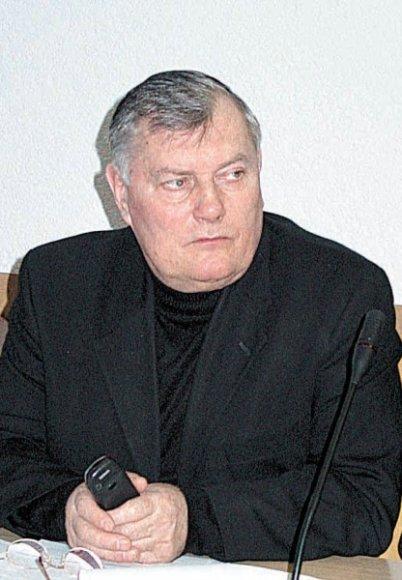 Kalvarijos meras J. Ščeponis tikina bandęs derėtis su parapijos klebonu.