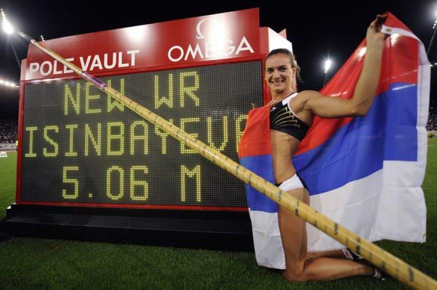 Jelena Isinbajeva jau pagerino 27 pasaulio rekordus