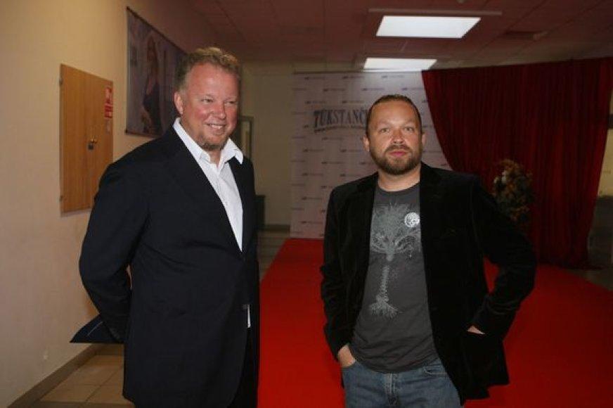 Paskutinįjį vasaros pirmadienio vakarą kultūros veikėjai, televizijos laidų vedėjai ir žurnalistai Lietuvos televizijoje būrėsi tam, kad pasitiktų naująjį LTV sezoną.