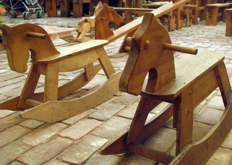 Mediniai arkliukai
