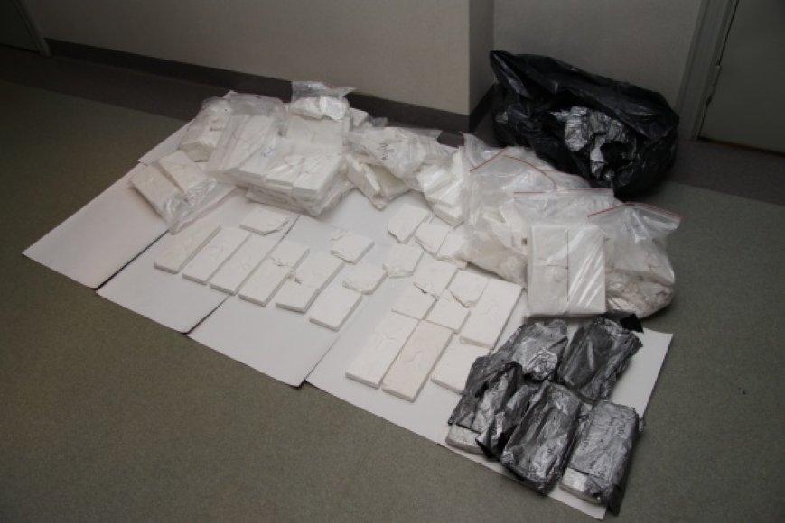 Po ilgalaikės tarptautinės operacijos Latvijoje sulaikyta 205,5 kg kokaino siunta.