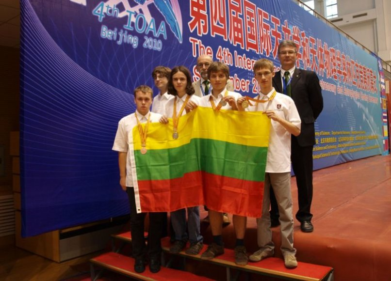 Iš Pekino Lietuvos mokiniai sugrįžta su visų spalvų medaliais.