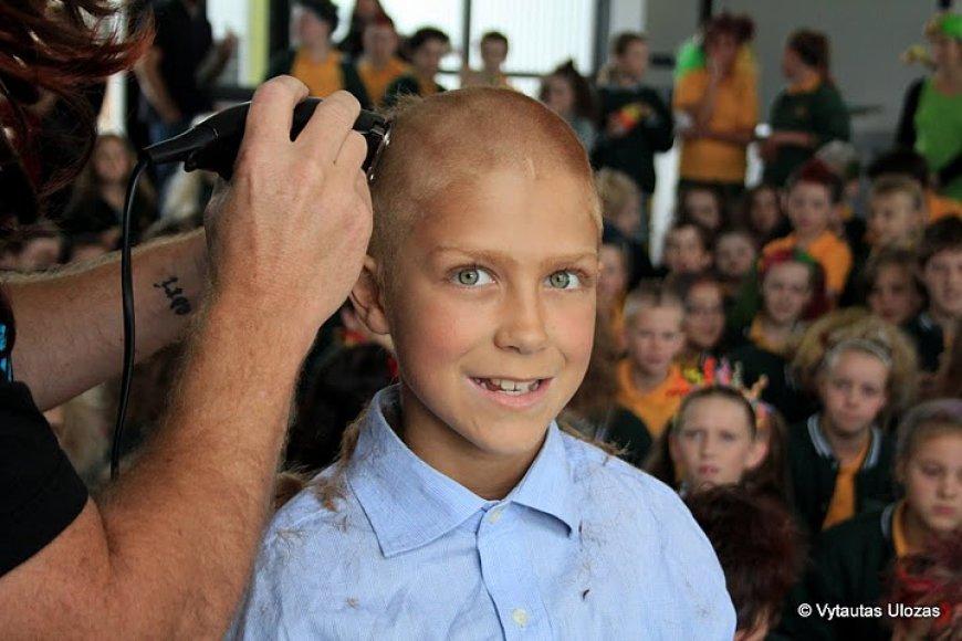 Džeremio atsisveikinimas su plaukais – solidarumo su sergančiais kraujo vėžiu išraiška.