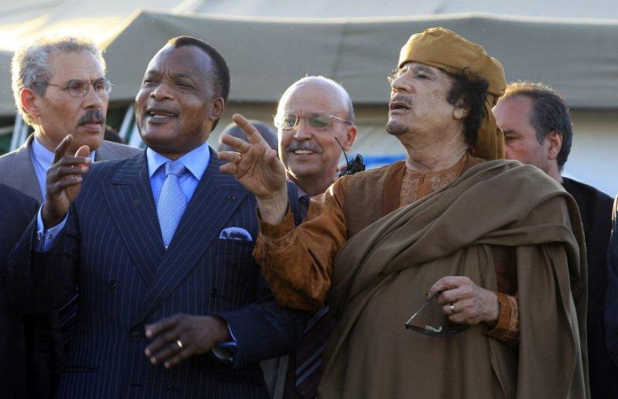 J.Zuma ir trys kiti Afrikos lyderiai sekmadienį susitiko su Libijos lyderiu pulkininku Muamaru Kadhafi Tripolyje.
