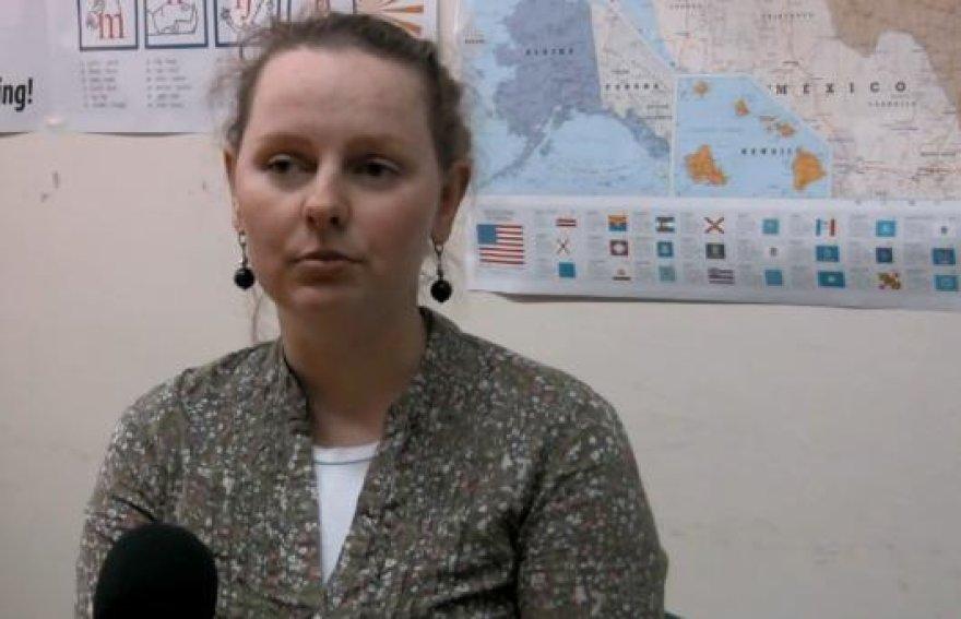 KOBRA TV žurnalistė aiškinasi, koks efektyviausias būdas išmokti užsienio kalbos.