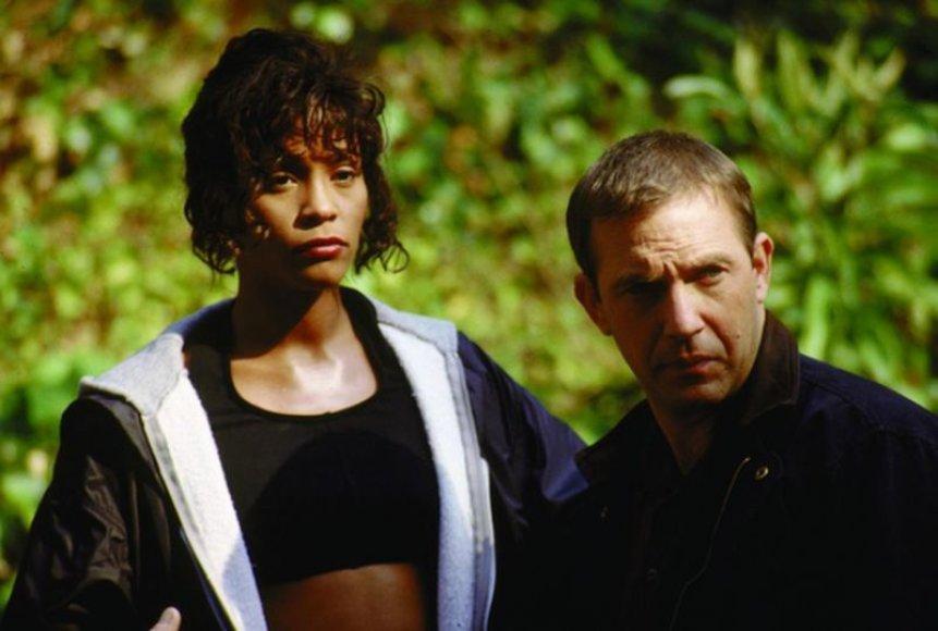 "Whitney Houston  ir Kevinas Costneris filme ""Asmens sargybinis"""