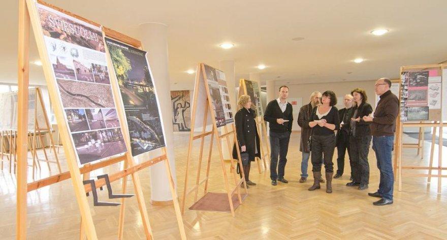 Vertinami Vilniaus dailės akademijos Kauno dailės fakulteto studentų darbai.