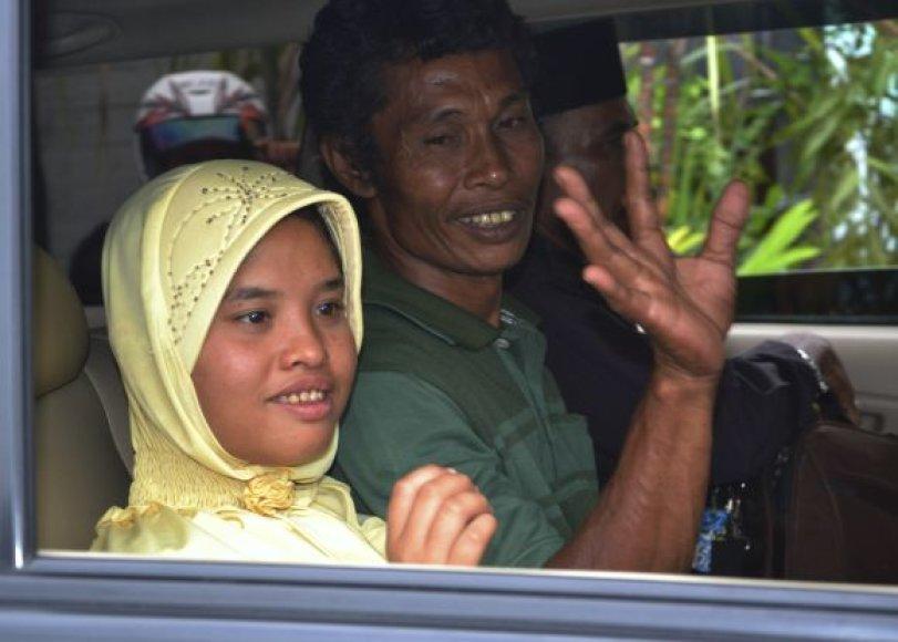 Stebuklingas išsigelbėjimas: mergaitė, nunešta cunamio, atsirado po 7-erių metų