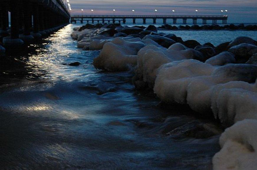 Žiema Baltijos pajūryje: vakaras Palangoje