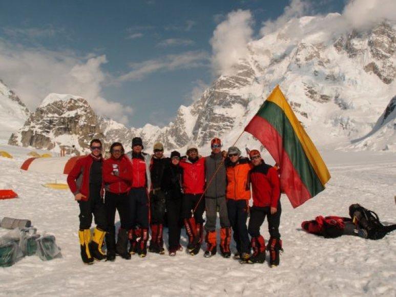 Lietuvos alpinistai aukščiausioje Šiaurės Amerikos viršukalnėje