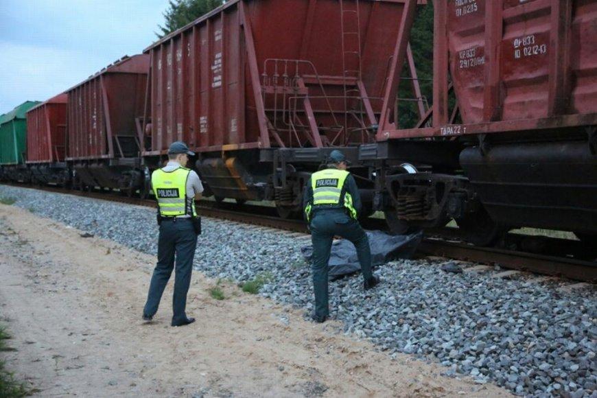 Savižudis Tauragėje šoko po traukiniu