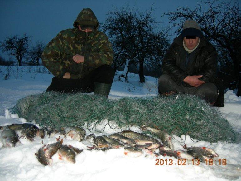 Ant Dysnų ežero ledo sugauti brakonieriai