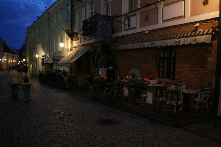 Streiko metu viešbučiai ir restoranai paskendo tamsoje ir tyloje