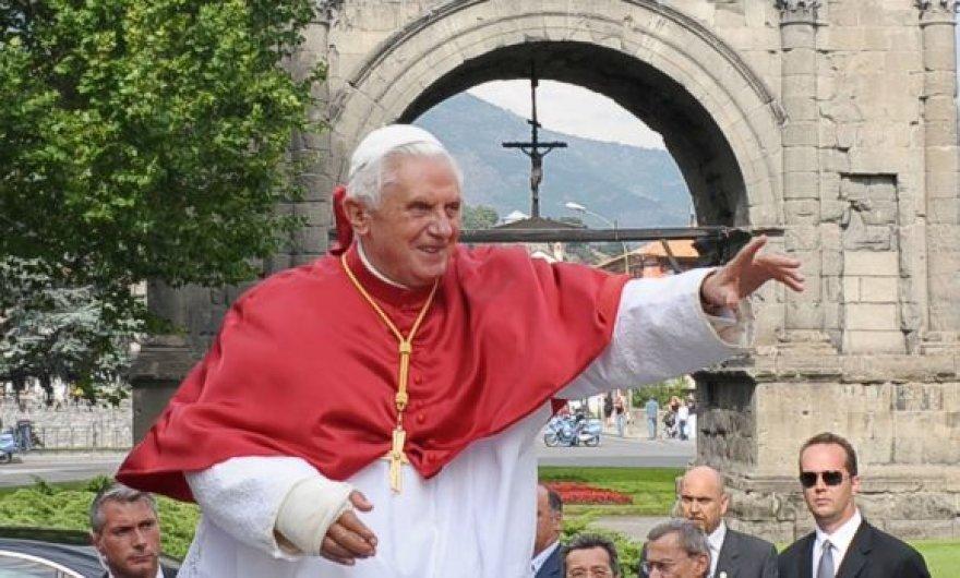 Popiežius Benedictas XVI