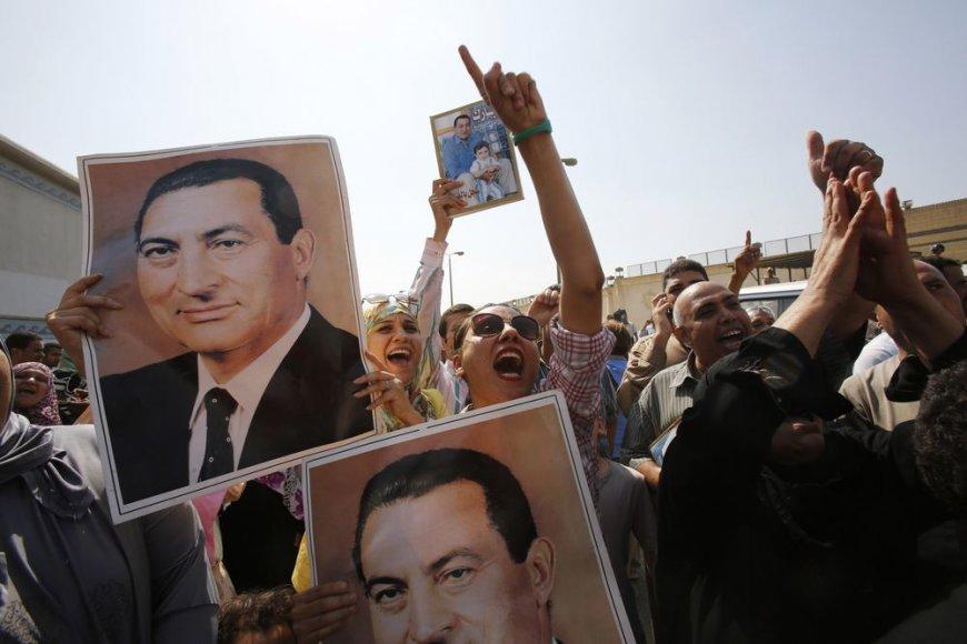Hosni Mubarakas išskraidintas iš Toros kalėjimo
