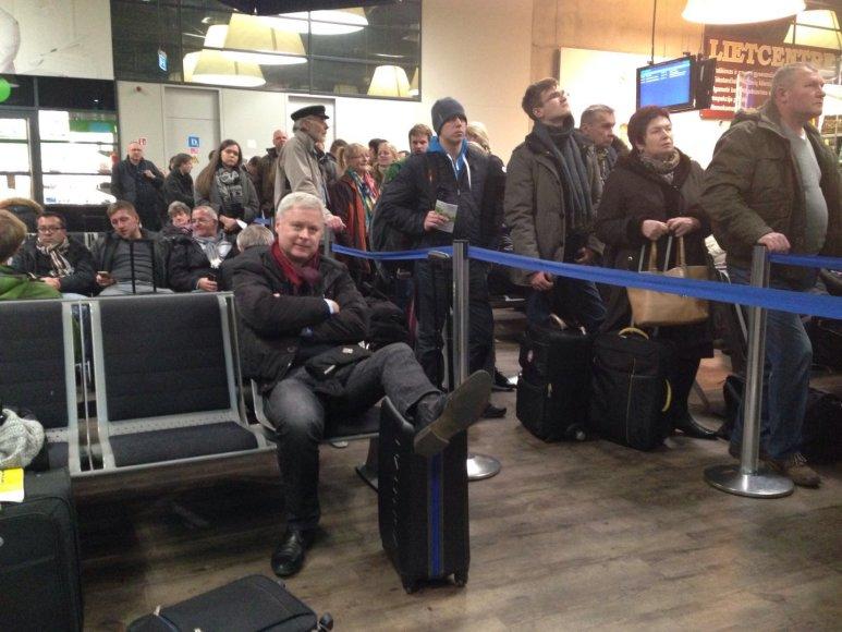 Laukimas oro uoste