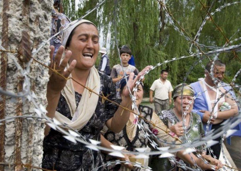 Uzbekai bėga iš Kirgizijos