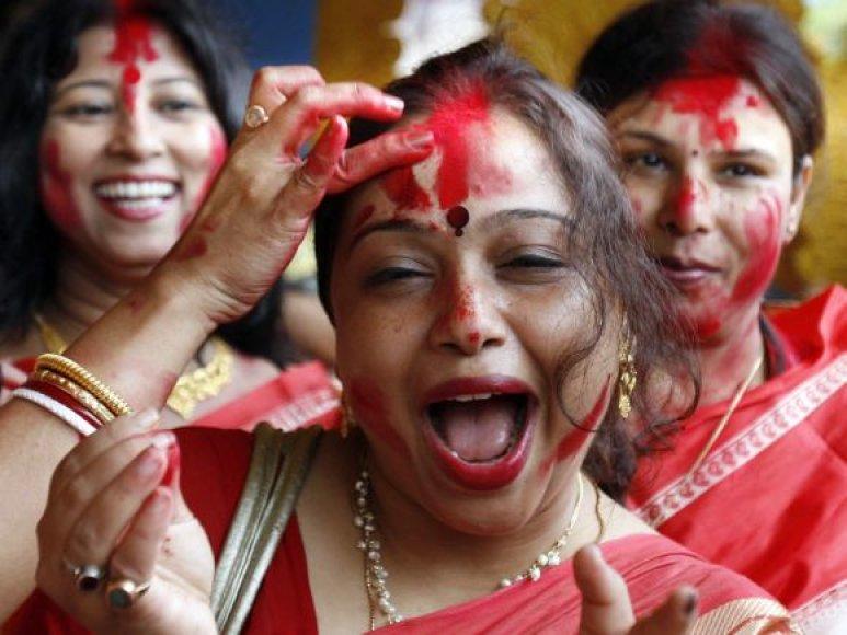 Indija švenčia Durga Puja (Durgapūdžą).