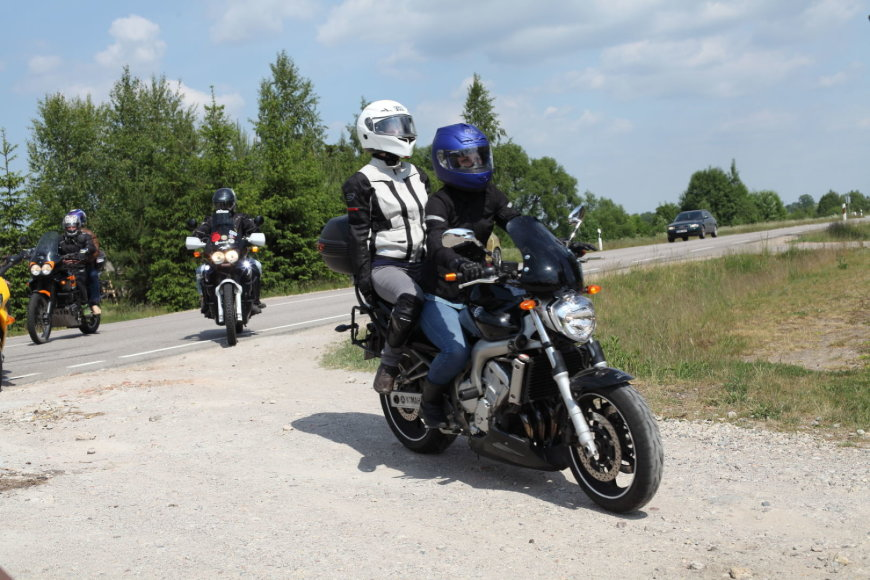 """Akcija """"Mane veža!"""": motociklais džiaugėsi aklieji bei silpnaregiai"""