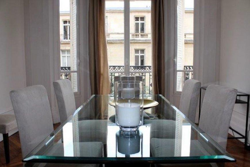 Galimo Arūno Gelūno buto Paryžiuje vaizdas