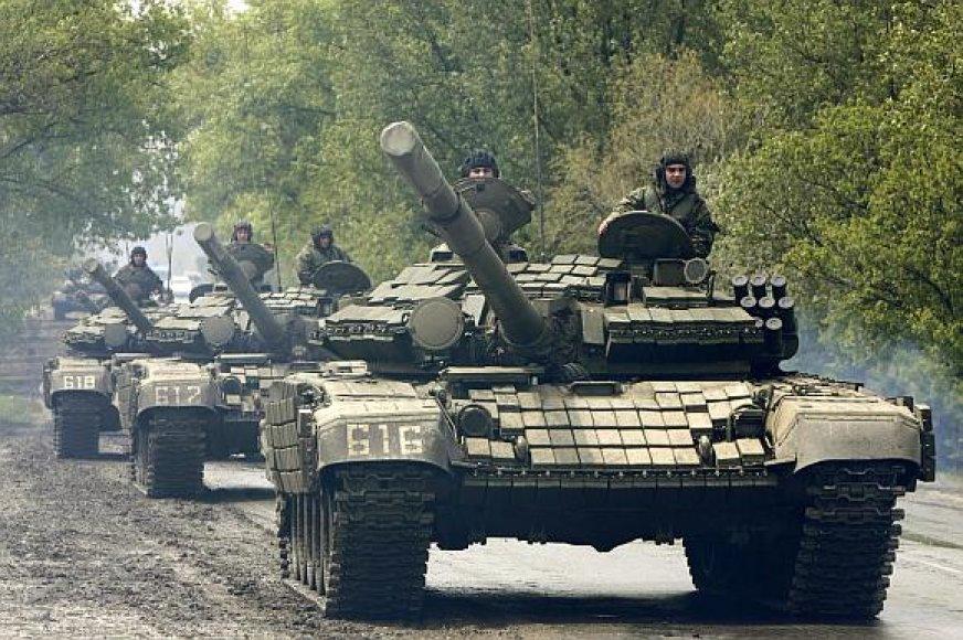 Gruzijos kariai artėja prie maištaujančios Muchrovanio bazės.