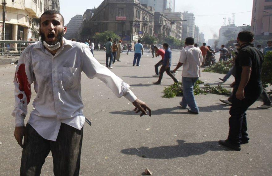 Riaušės Egipte kasdien nusineša daugybę gyvybių.
