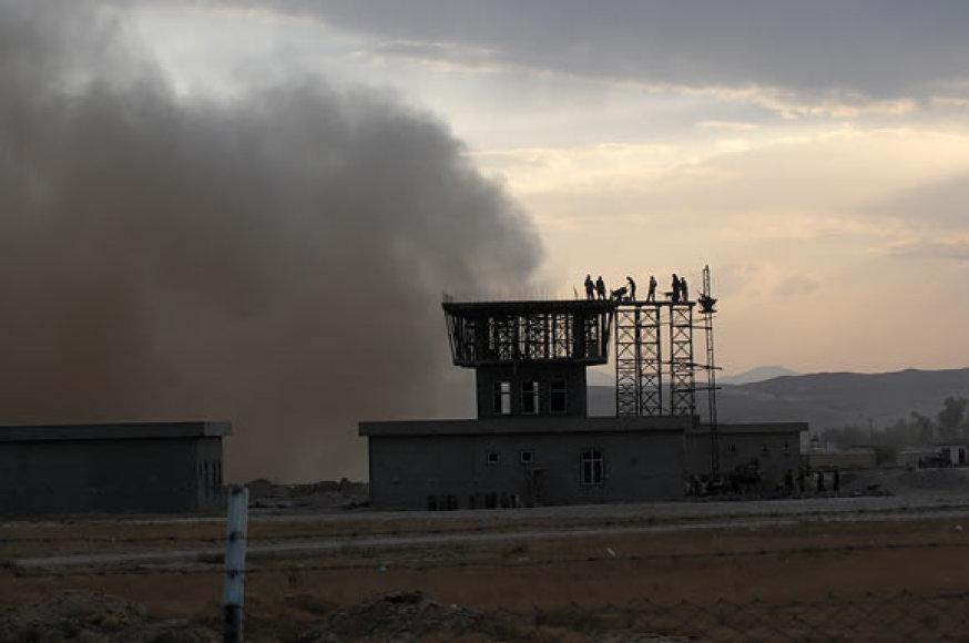 Sraigtasparnio sukeltos dulkės Čagčarano oro uoste