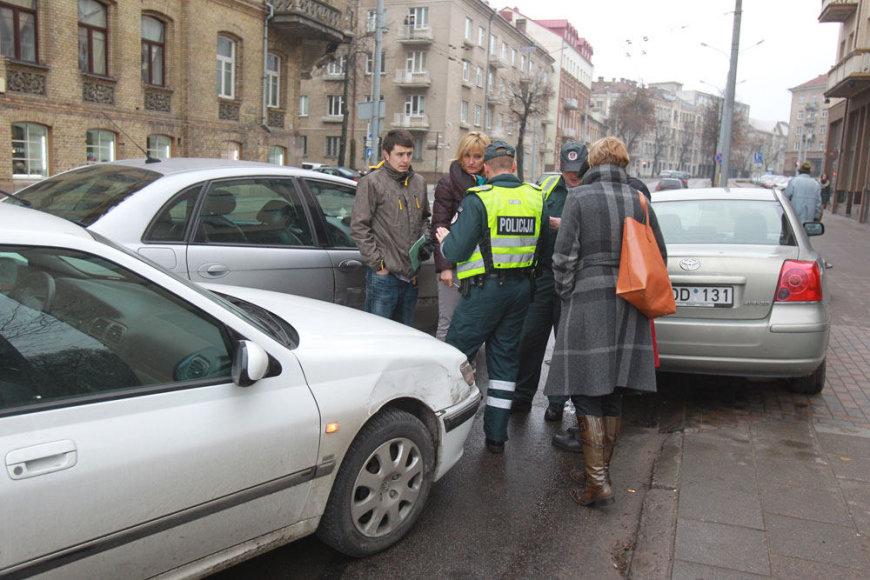 Trijų automobilių avarija
