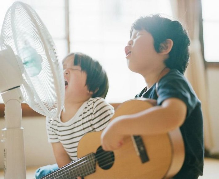 "Hideaki Hamada parodos ""Haru and Mina"" fotografija"