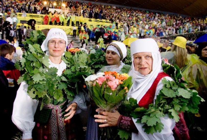 Pinigų negavus Liepos pradžioje vyksiančią Dainų šventę esą gali tekti sutikti purvyne.