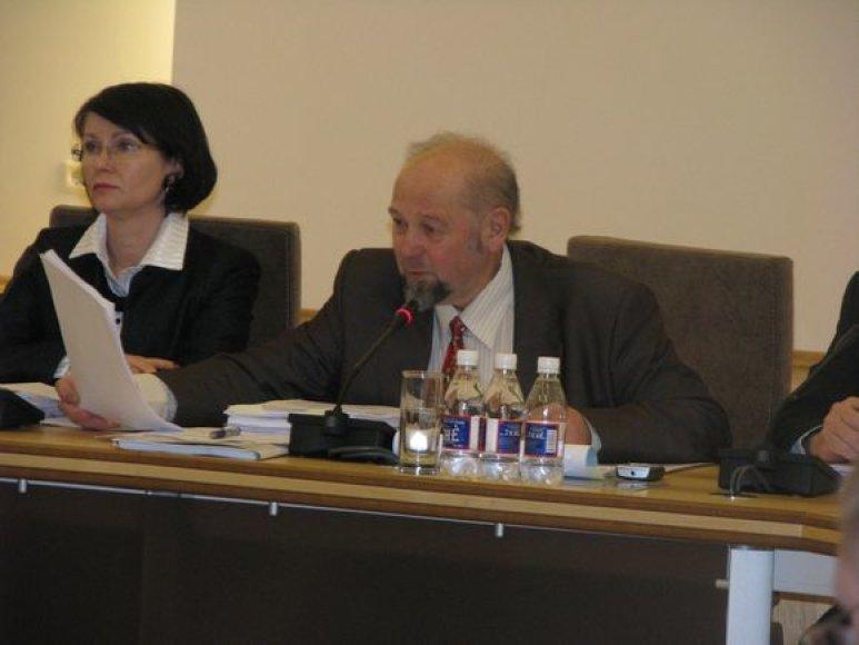 E. Malūkas