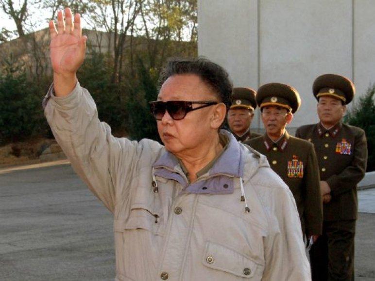 Šiaurės Korėjos lyderio Kim Jong Ilo nuotraukos suklastotos?