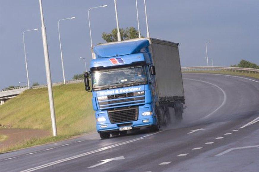 Pasaulinė krizė paveikė transporto biržos klientus.