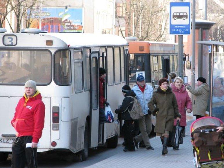 Autobusų tvarkaraščių laikas keičiamas atsižvelgiant į žmonių srautus.