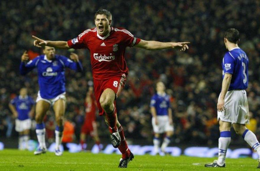 S.Gerrardo įvartis nebuvo pergalingas – varžovai išlygino rezultatą