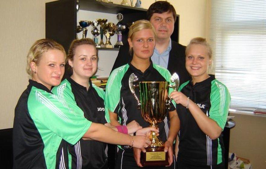 """Mažeikių klubas """"Vijurkas"""" laimėjo šalies komandinio stalo teniso pirmenybes."""