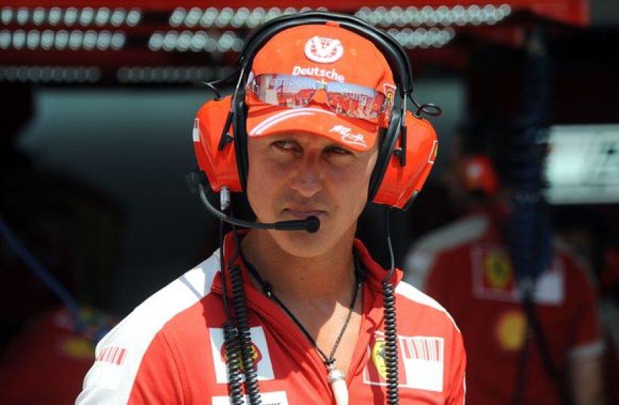 """M.Schumacheris ir """"Ferrari"""" tapo viena šeima"""
