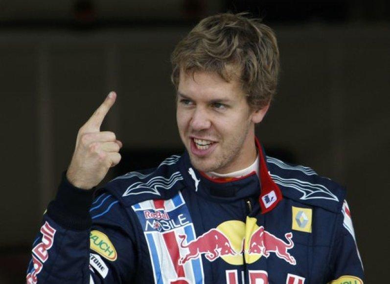S.Vettelis startuos iš pirmos vietos Japonijoje