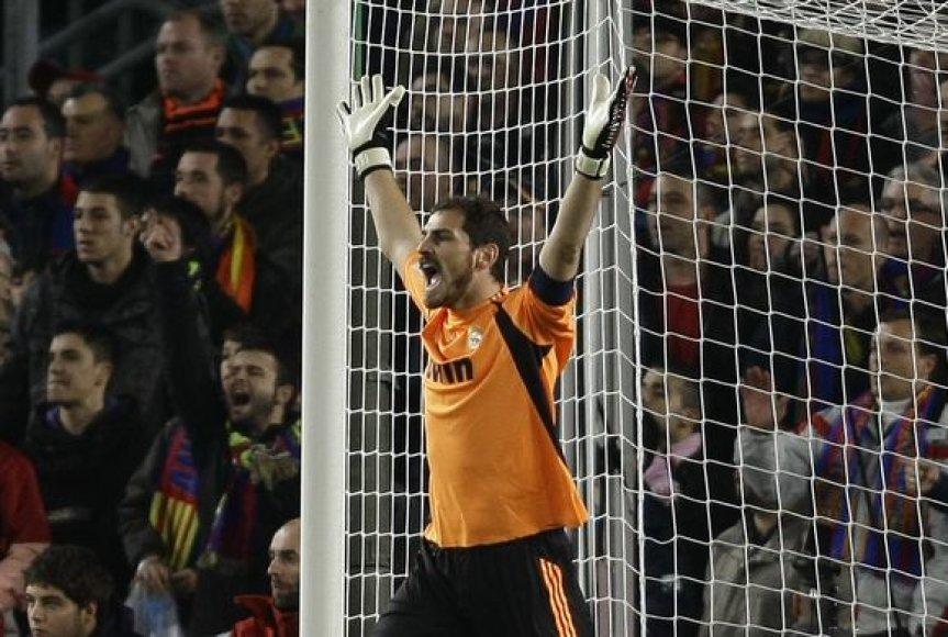 I.Casillasas – geriausias 2009 metų vartininkas