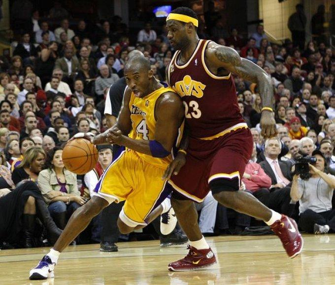"""K.Bryanto ir L.Jameso dvikovą laimėjo """"Cavaliers"""" lyderis"""