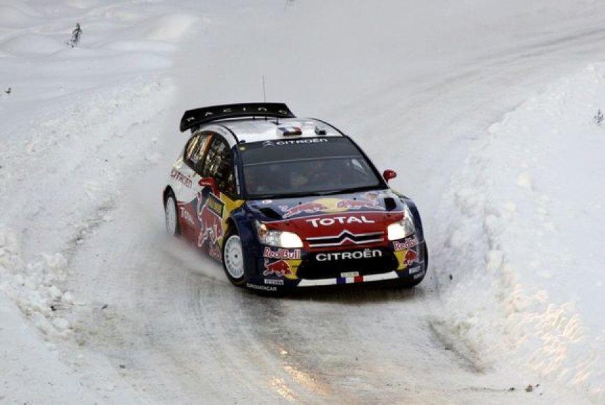 """S.Loebas su """"Citroen"""" pirmauja po keturių greičio ruožų"""