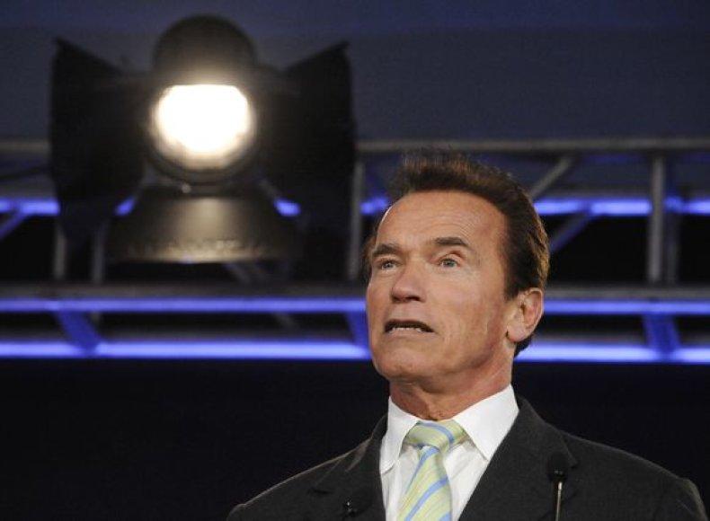 A.Schwarzeneggeris turėtų nešti olimpinį deglą Vankuveryje