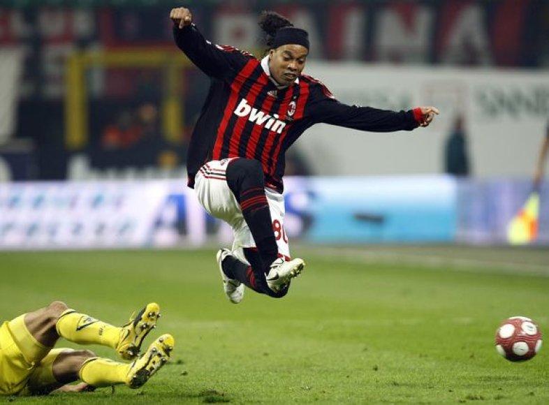 Ronaldinho pastaruoju metu atgauna buvusią gerą sportinę formą